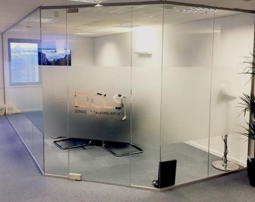 modern ofis bölme sistemleri